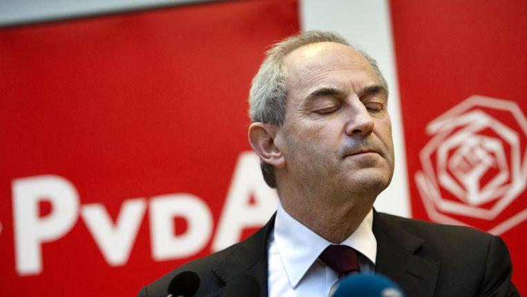 Job Cohen kondigt begin 2012 zijn aftreden als partijleider van de PvdA aan Beeld null