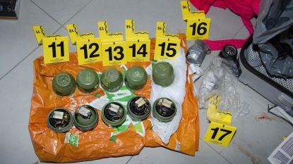 Acht verdachten gearresteerd voor granaataanslagen in drugsoorlog, ook raketlanceerder en goudstaaf van 1 kilo gevonden