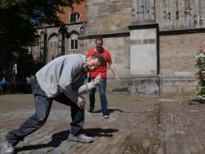 Ex-Excelsiorspeler en oud-prof Jan Michels is nu klusjesman in Deventer