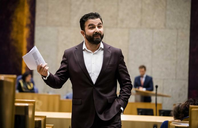 Selcuk Ozturk (Denk) beschuldigde in een kamerdebat Nederlandse militairen van moord nadat er burgerslachtoffers waren gevallen bij twee bombardementen in Irak.