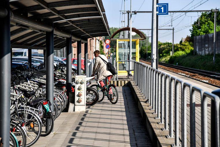 Illustratiebeeld van een fietsenstalling aan het station in Lebbeke.