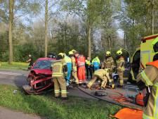 N214 weer open na aanrijding, bestuurders gewond