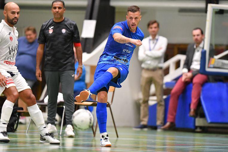 Valentin Dujacquier antwoordde op Malle-Beerse met de voeten en scoorde tweemaal.