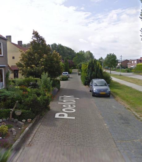 Busje in brand gestoken in Sas van Gent, politie zoekt getuigen