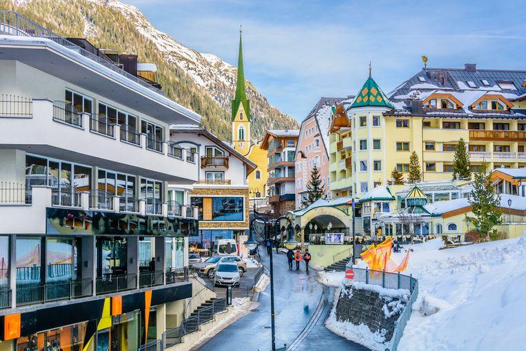 In één populaire après-skibar in Ischgl raakten mogelijk duizenden Europeanen besmet. Het gerecht onderzoekt of het ski-oord te laks is omgesprongen met het virus.