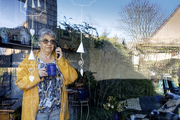 Will Huijbers uit Schijndel is een van de honderden vrijwilligers bij Welzijn De Meierij die telefonisch contact houden met oudere of kwetsbare mensen in Schijndel en Rooi.