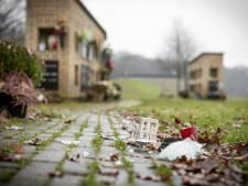 Onbegrip na vernielingen op begraafplaats Oldenzaal: 'Zo'n plek is gevoel, daar  blijf je af'
