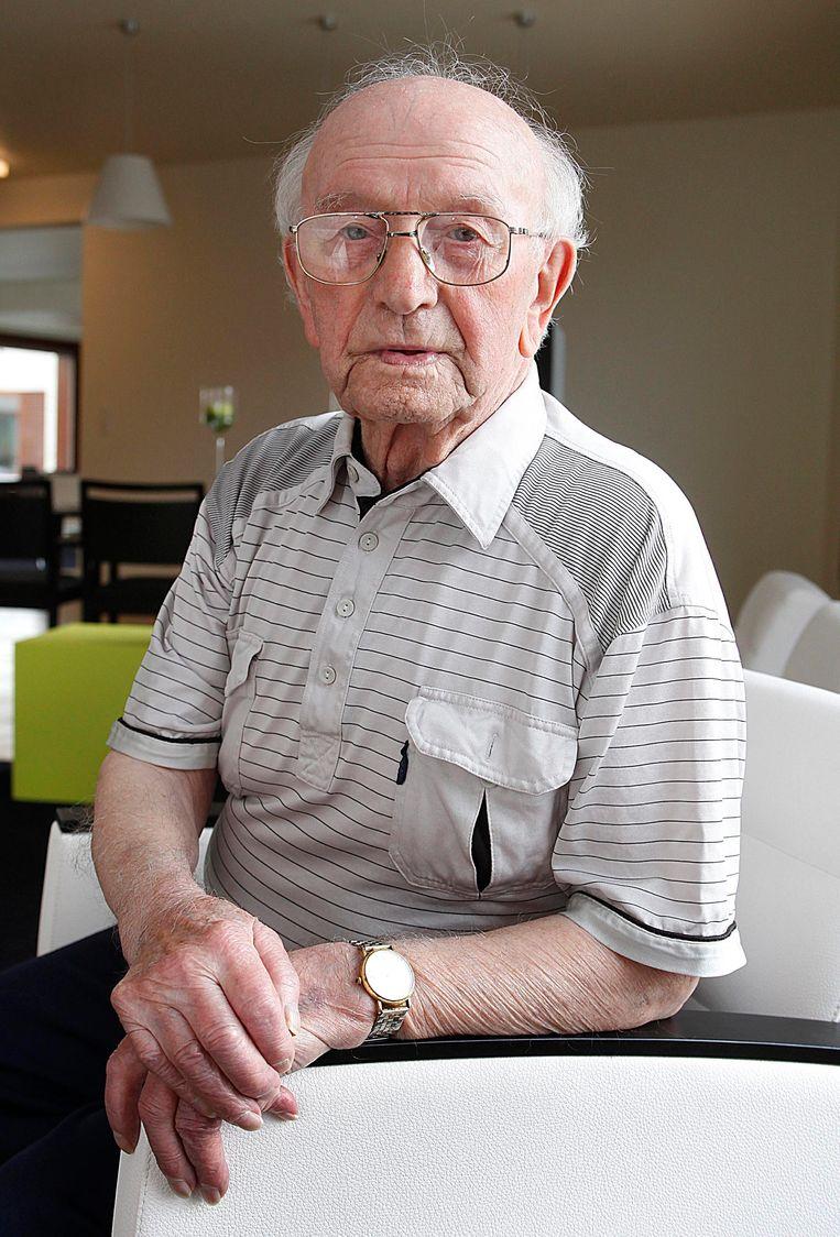 Hector Ketels op 99-jarige leeftijd bij de opening van het gloednieuwe woonzorgcentrum 't Hof in Lichtervelde