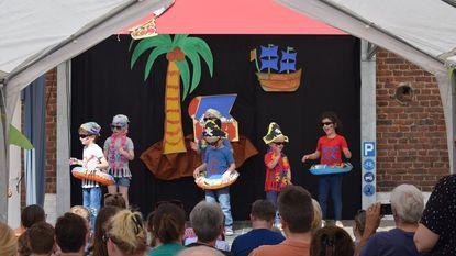 Kleuters basisschool Woubrechtegem vieren feest
