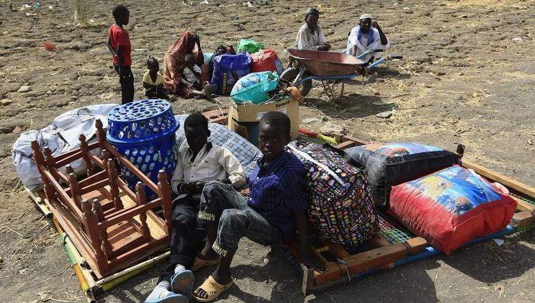 Burgers vluchtten voor een aanval op hun dorp in Zuid-Soedan. Beeld reuters