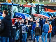 Boerenactie: Tractoren rijden in colonne over A29 richting Den Haag