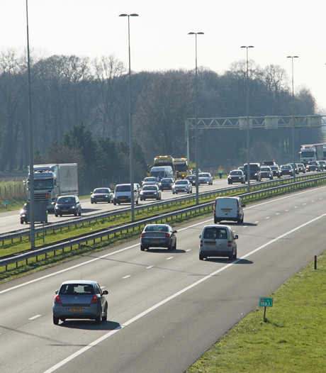 File opgelost na kop-staartbotsing A1 Deventer