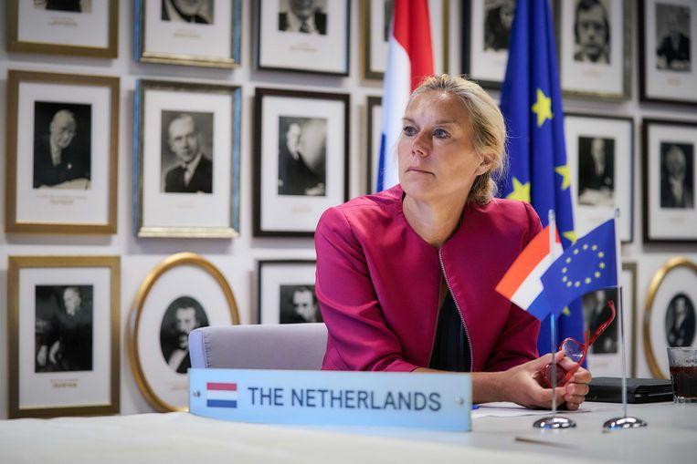 Ook bij D66-partijleider Sigrid Kaag wordt steeds benadrukt dat ze een vrouw is.  Beeld EPA/Phil Nijhuis