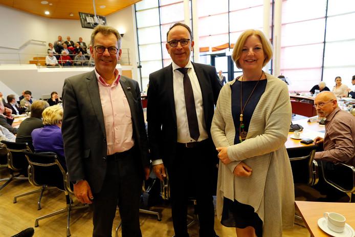 Vlnr: wethouders Kees Marchal (CDA), Theo Geldens (H&G) en Mieke Theus (PvdA) werden vorig jaar geïnstalleerd.