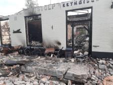 Julian en zijn maatje raakten door brand in Oene alles kwijt en zoeken woonruimte
