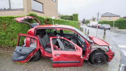 Twee gewonden bij spectaculair ongeval