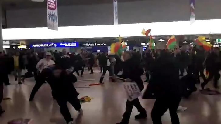 Grote vechtpartij op vliegveld Hannover