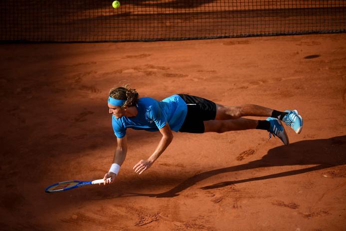 Stefanos Tsitsipas a tout tenté pour résister à Stan Wawrinka, en huitièmes de finale de Roland-Garros. En vain.