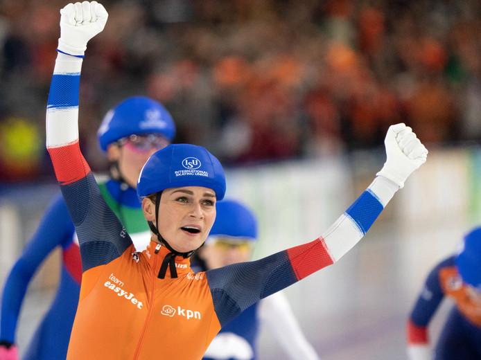 Irene Schouten wint met overmacht.