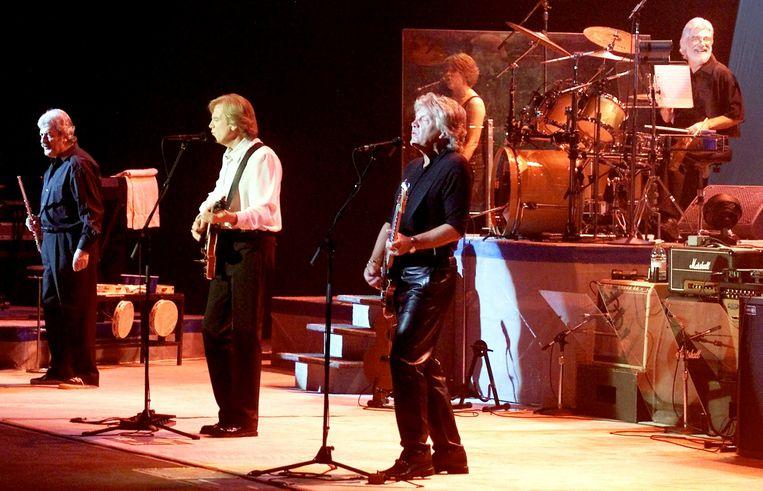 The Moody Blues in 2001 in Las Vegas, met van links naar rechts Ray Thomas, Justin Hayward, John Lodge en Graeme Edge.