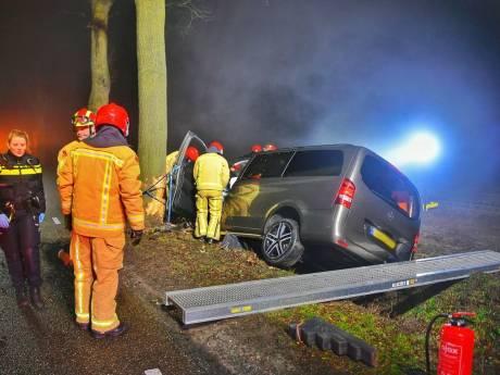 Bestuurder zwaargewond bij ernstig ongeval op Kromhurken bij Bergeijk