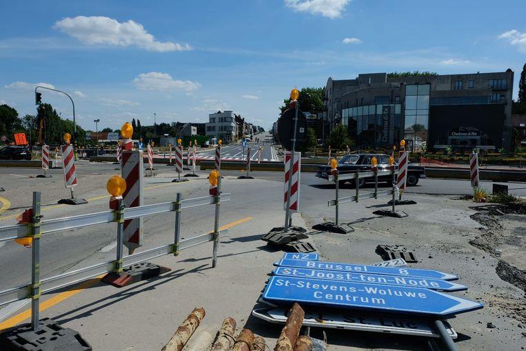 De aansluiting van de Leuvensesteenweg aan de kant van Brussel met het Woluwedal gaat vanaf dinsdag dicht.