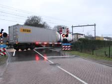 Goederentrein staat stil op spoor tussen Rijssen en Wierden