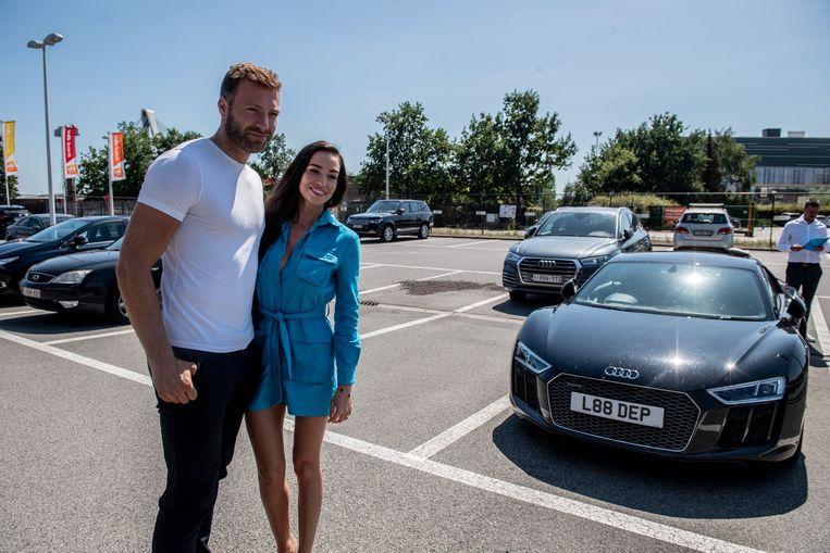 Laurent Depoitre en zijn partner hier met de bewuste Audi.