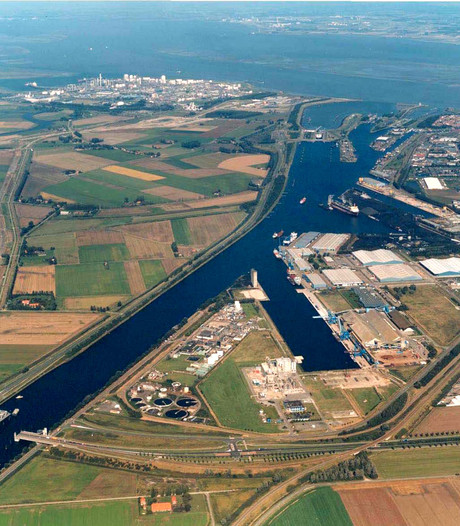 Vlaamse regering plaveit weg voor fusie Gent en Zeeland Seaports