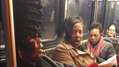 """""""Ik weet dat ik er goed uitzie, ik krijg constant complimenten"""": twee vrouwen in bus kibbelen over torenhoog kapsel"""