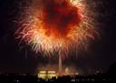 De viering van Onafhankelijkheidsdag wordt traditiegetrouw afgesloten met een enorm vuurwerk.