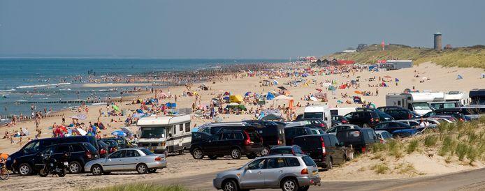 Drukte op het strand bij Domburg/