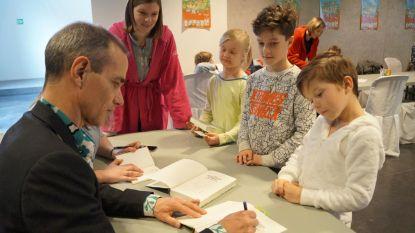 Inktvis krijgt bezoek van waanzinnig populaire jeugdschrijver...