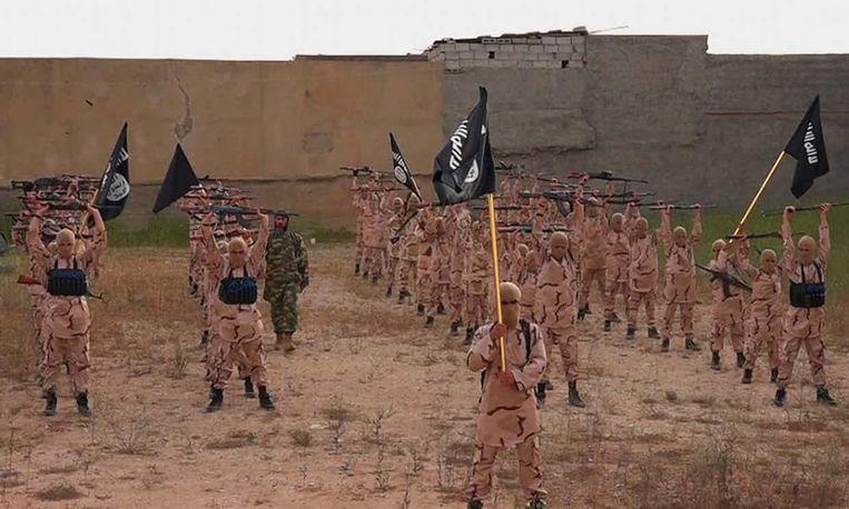 Archiefbeeld van trainingskamp van IS nabij de Iraakse stad Mosoel
