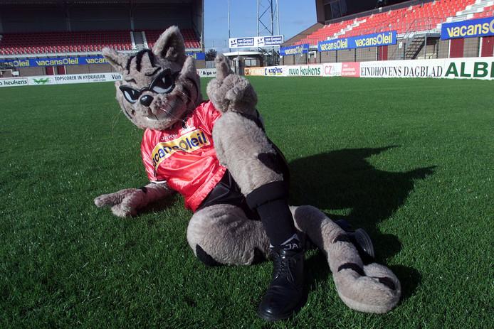 Loewy the Cat, de mascotte van Helmond Sport, hier nog in zijn oude hoedanigheid.