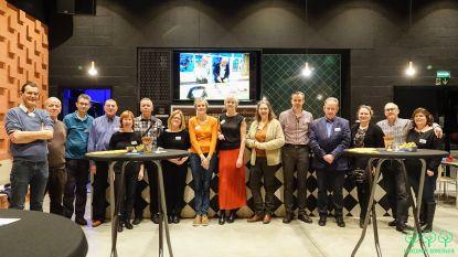 Leden BIN Bomenwijk klinken op het nieuwe jaar