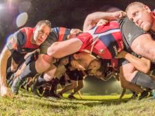 Wat is het geheim van de scrum in het rugby? Twee Zeeuwse specialisten leggen het uit.