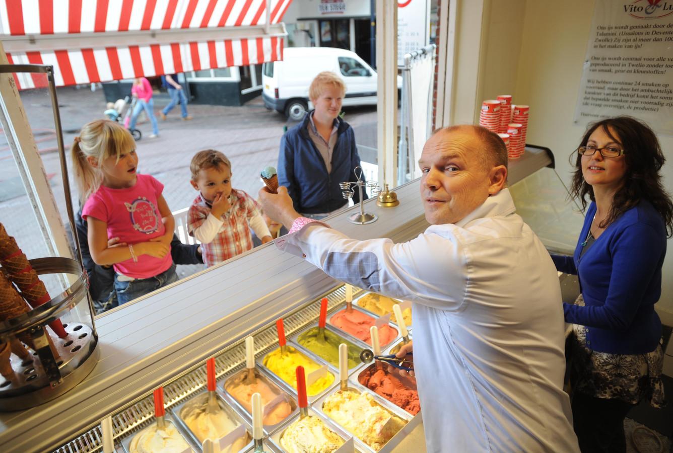 Vito & Luca, jaren geleden ijssalon op de Groote Markt in Oldenzaal.