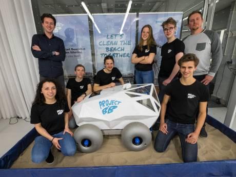 Strandrobot raapt peuken op in Scheveningen: Gemeente Den Haag is eerste klant