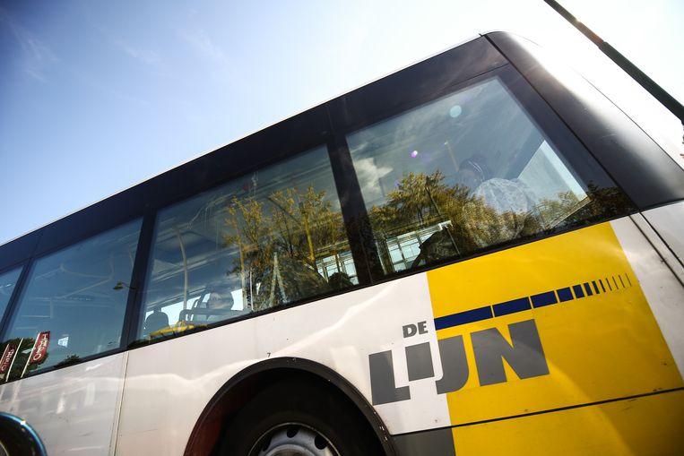 Kamal A. viel de 17-jarige aan op een lijnbus. (Foto ter illustratie).