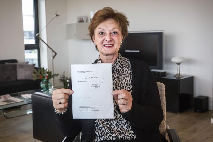 Brielle  Janny de Bruijn ontving een rouwkaart die 27 jaar geleden op de post is gedaan. Gerrit Brouwer uit Wierden overleed in 1991.
