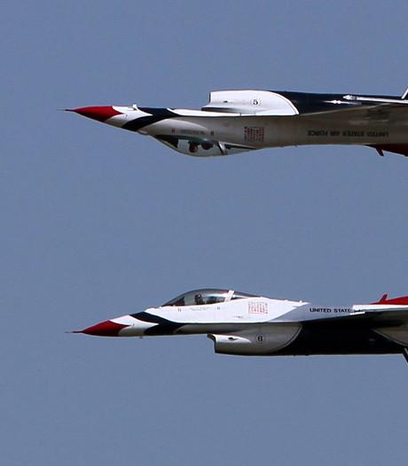 Amerikaanse F16 op de kop na ongeval bij vliegshow