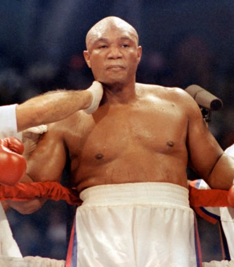 Foreman over gevecht tussen veteranen Tyson (54) en Jones jr. (51): 'Het is heel gevaarlijk'