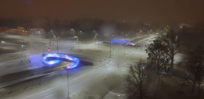 Winters uitzicht op de kleurrijke tunnel bij de Montgomerylaan in Eindhoven. Peter Gielen maakte deze foto.
