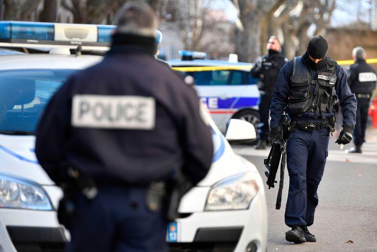 Drie gewapende daders wisten de politie te verrassen.