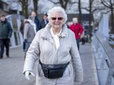 Evelyne (82) uit Almelo trok de wandelschoenen aan en voelt zich nu 'kiplekker'
