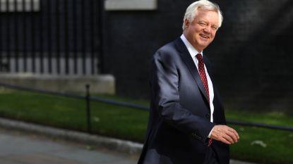 """Britse brexit-minister stort regering in crisis met ontslag: """"We geven te veel weg aan Europa"""""""
