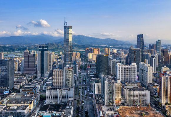 Zicht op de 'elektronicastraat' in Shenzhen.