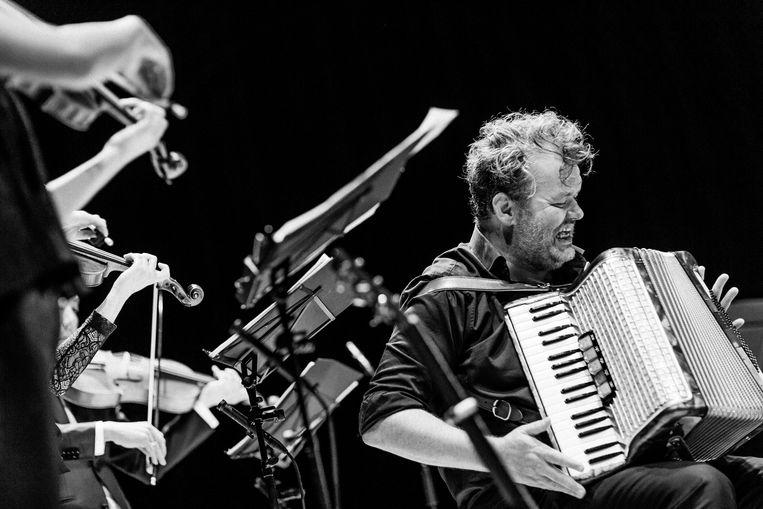 Daniël Lohues met Holland Baroque in Enschede. Beeld Wouter Jansen