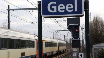 Trein rijdt door rood sein en legt treinverkeer stil